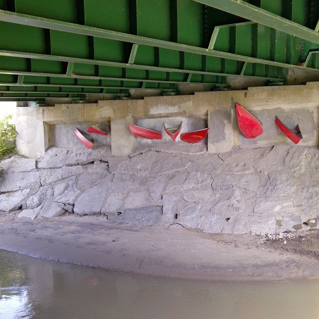 canoe wall bridge_